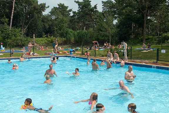 Zwembad Vakantiepark De Katjeskelder